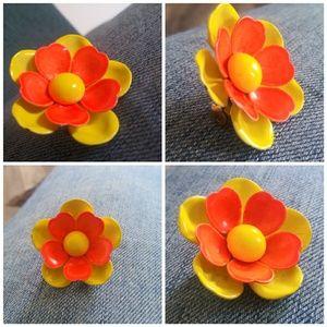1960s Vintage Mod Flower Child Hippie Pin Brooch